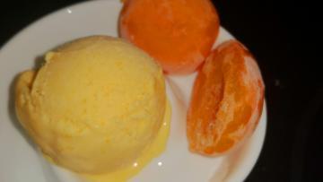 Aprikosen-Sahne-Eis